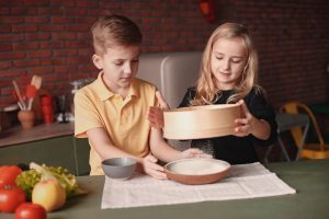 Teach kids how to measure with this simple dessert