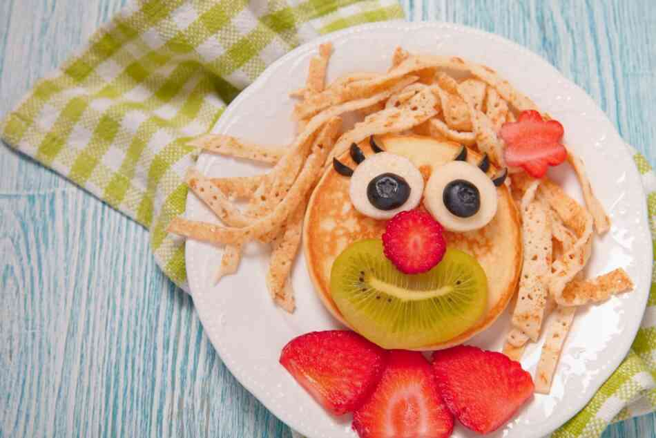 Pancake fruit face
