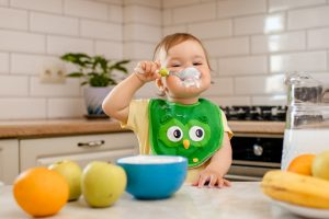 When milk no longer meets baby's nutritional needs, your baby needs foods rich in iron and zinc