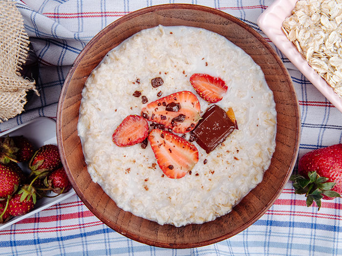 Recipe - Dairy-free porridge with berries and nuts