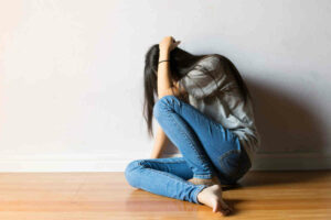 Quick and easy steps to managing teenage mood swings