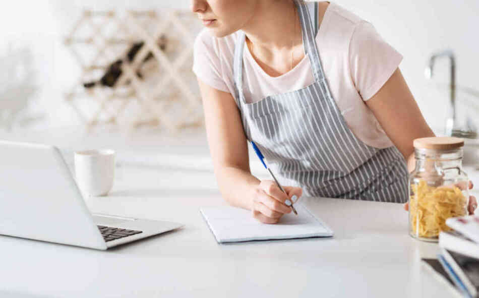 housewife looking up recipes online