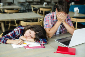 Book review: The disintegrating student: Struggling but smart, falling apart, and how to turn it around