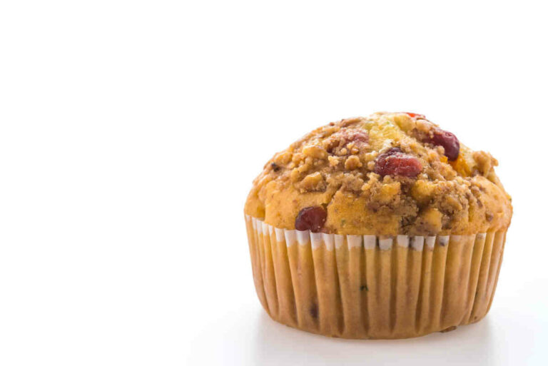 Orange-cranberry-and-oats-muffins