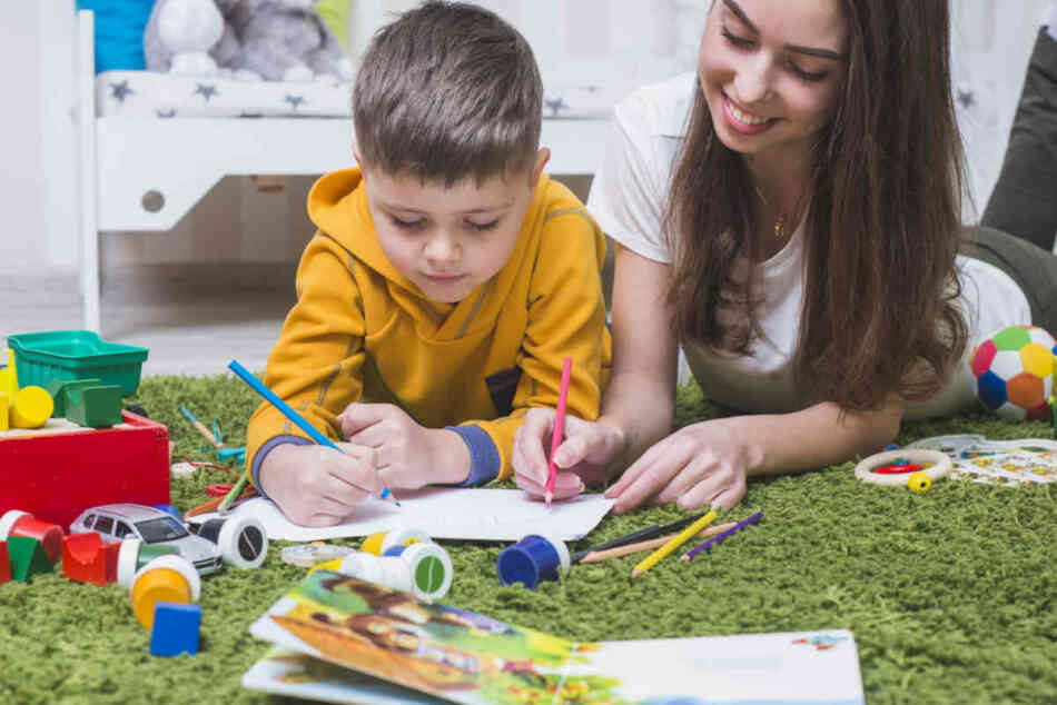 mom and son drawing to enhance creativity